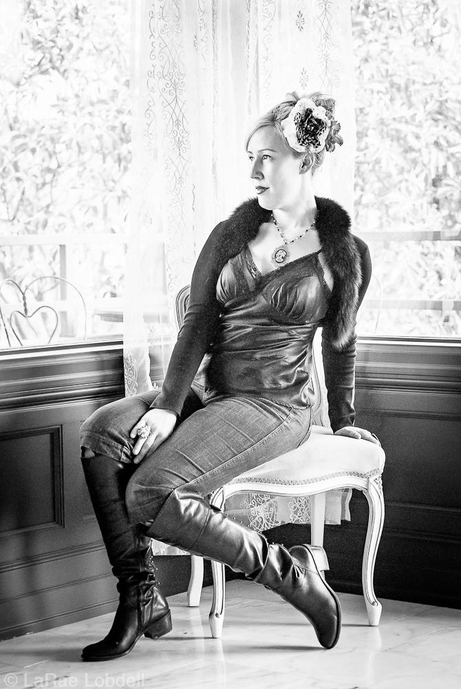 Diva le Déviant  (Sasha Summer Cousineau) by LaRae Lobdell | PhotoSister.com